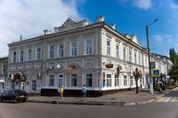В здании в Годы Великой Отечественной войны размещался военный госпиталь