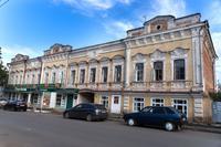 В годы войны размещался интернат Литфонда (Чистополь, Ленина, 55)