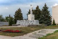 Памятник В.И.Ленину. Апастово. 2014