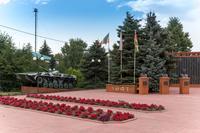 Мемориальный комплекс в честь 65-летия Победы в Великой Отечественной войне. Апастово. 2014