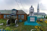Памятник защитникам Отечества. г.Верхние Индырчи,Апастовский муниципальный район.2014