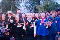 Фото. Ветераны войны и труженики тыла. 8 мая 1995