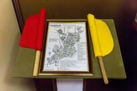 Схема железнодорожной линии на карте Буинска и флажки путевых обходчиков