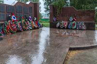Вечный огонь и пантеон погибшим землякам в Парке Победы в п.г.т.Камское Устье 2014