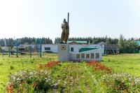 Памятник, посвященный павшим в годы Великой Отечественной войны. Село Ядыгерь, Кукморский район. 2014