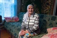 Фото. Аппакова Г.Г.(1930 .р.)  дает интервью с воспоминаниями о годах войны. 2014