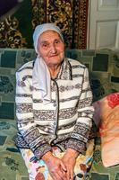 Фото. Аппакова Г.Г. дает интервью с воспоминаниями о годах войны. 2014