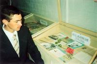 Фото. Нуршат Зиатдинов -  экскурсовод при школьном музее. 2010-е