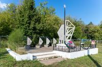 Памятник павшим в годы Великой Отечественной войны возле Кукморского кладбища. 2014