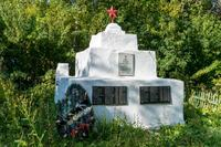 Памятник воинам, умершим от ран в эвакуационном госпитале №2786 на Кукморском кладбище. 2014