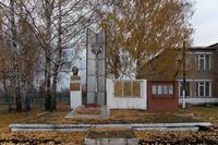 Мемориальный комплекс. с. Новое Узеево. 2014