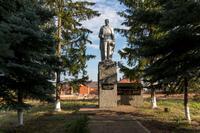 Памятник солдату Великой Отечественной войны. Село Большой Сардек. 2014
