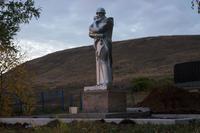 Памятник солдату-защитнику. 2014 г., с. Каркали Лениногорский р-он, РТ