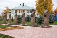 Мемориальный комплекс. Аллея героев.  г.Нурлат.2014