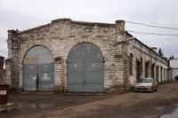Здание, где в 1941-1945 выпускал военную продукцию, эвакуированный из  Москвы механический завод. 2014