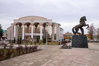 Площадь перед Дворцом культуры г. Нурлат. 2014