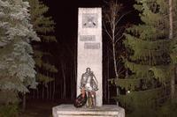 Мемориальный комплекс. Стела и памятник солдату. с. Кульбаево Мараса. 2014