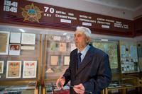 Директор музея Галиев Г.Г. ведет экскурсию. 2014