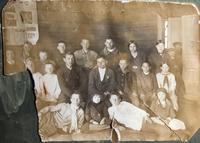 Фото. Давлетов Б.Е. (1924-1943) с учителями и учениками. с.Актаныш. 1939