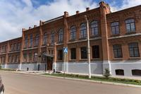 Мензелинский педагогический колледж имени Мусы Джалиля. Фасад здания