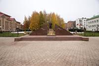 Мемориал с вечным огнем на площаде Победы. Агрыз. 2014 удалить.повтор