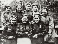 Туйшева З.Х. (второй ряд, вторая справа). 1944г.
