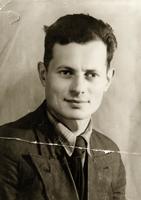 Фото. Шамес С.И.- мастер Промышленного отдела института.   1941