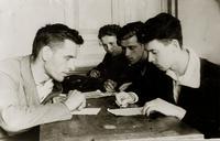 Фото. Сдача экзаменов в годы Великой Отечественной войны .1940-е