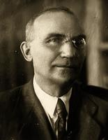 Фото. Лебедев С.Ф. профессор, зав кафедрой деталей машин. 1940-е