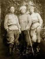 Фото. Староверов Д.К.(слева)  1945. Прага