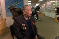 Фото. Яковлев Н.Г. - ветеран Великой Отечественной войны дает интервью в музее истории ОАО