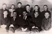 Фото. Руководящий состав предприятия с директором Датиевым  Х.Г.(второй справа). 1944