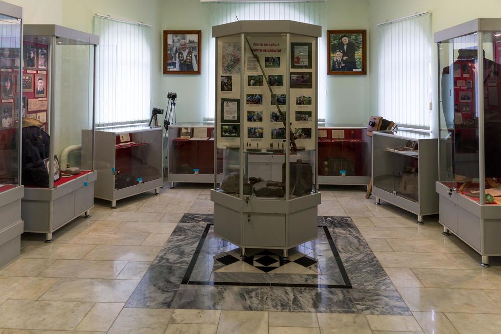 Фото №1185. Фрагмент экспозиции Апастовского краеведческого музея, посвященный Великой Отечественной войне. 2014