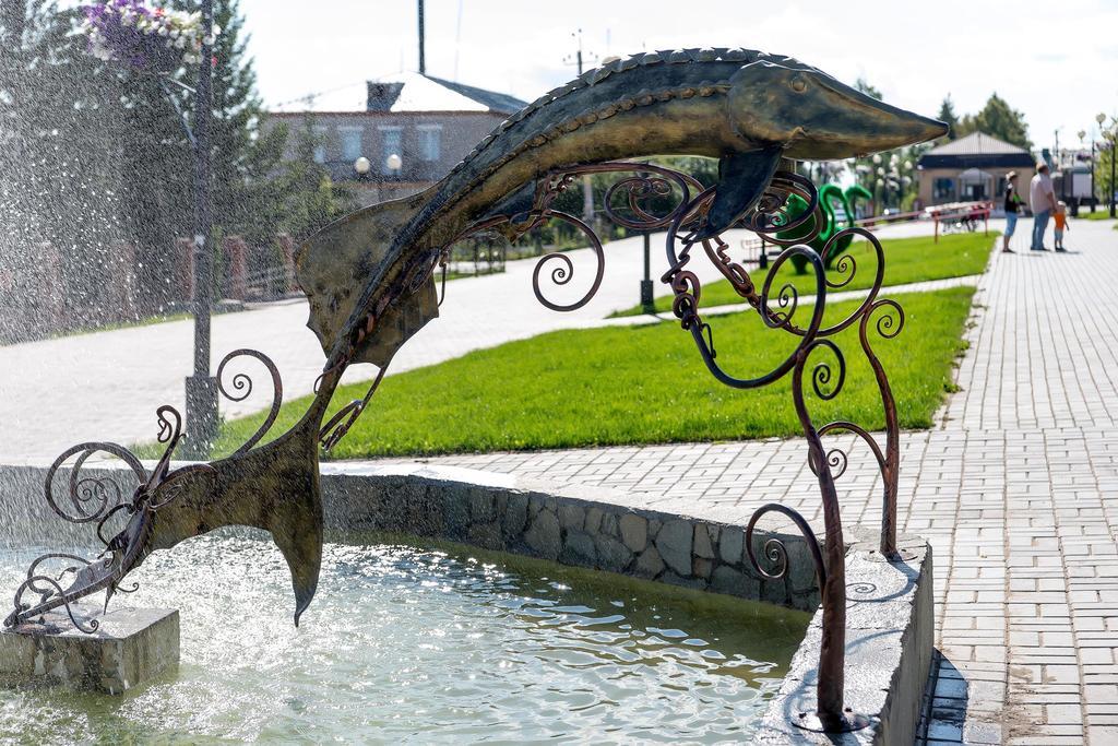 Памятник Осетру. г. Лаишево. 2014 ©Tatfrontu.ru Photo Archive