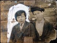 Фото. Соседи Сибгата Хакима - Сибгатуллин Зиннат с женой. 1940-е