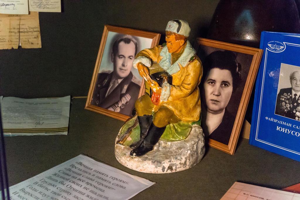 Фрагмент экспозиции музея с материалами участников войны. 2014 ©Tatfrontu.ru Photo Archive
