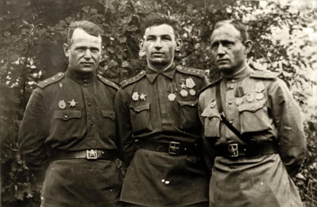 Фото №18107. Фото. Экипаж Чулкова А.П. г. Серпухов. Сентябрь. 1943