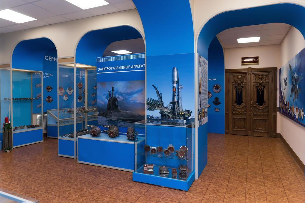 Фото №43081. Фрагмент экспозиции музея истории ОАО ''Завод Элекон''. 2014