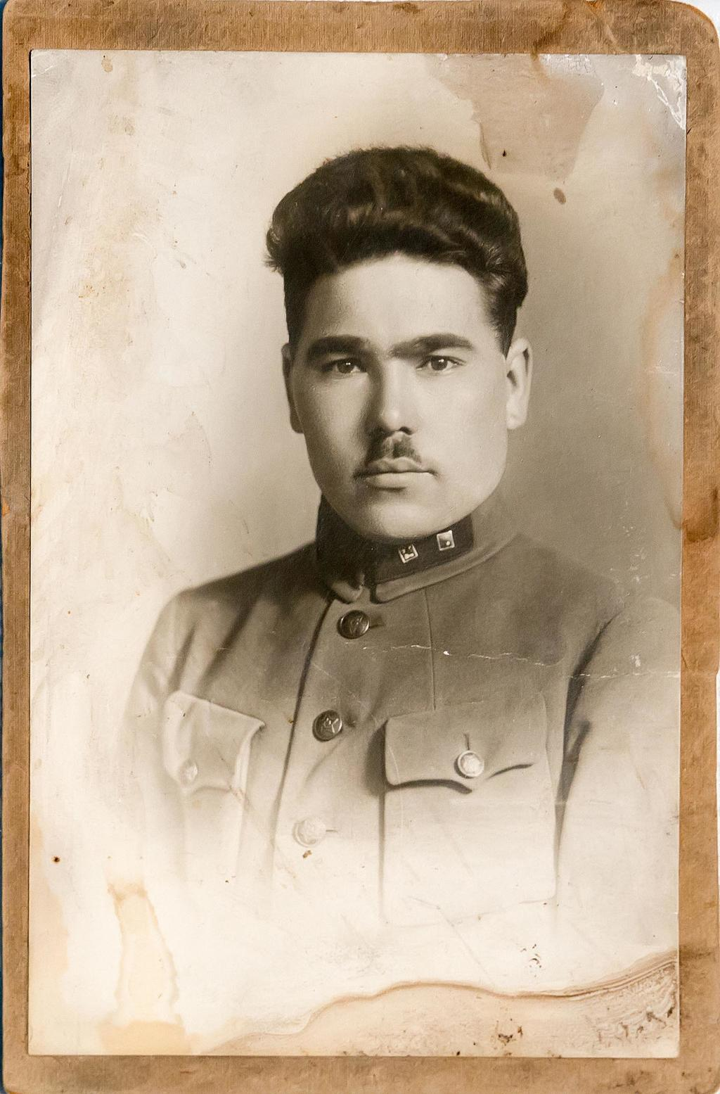 Фото. Подгрудной портрет Б.Юсупова от 13.04.1930г.   Акт № 99-103 1995г. Фотобумага. АКМ. КП - 197/3  размер 15*10 ©Tatfrontu.ru Photo Archive