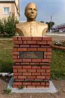 Бюст Шавалееву Б.Г. (1925-1944) - герою Великой Отечественной войны в Аллее героев Рыбно-Слободского района. 2014