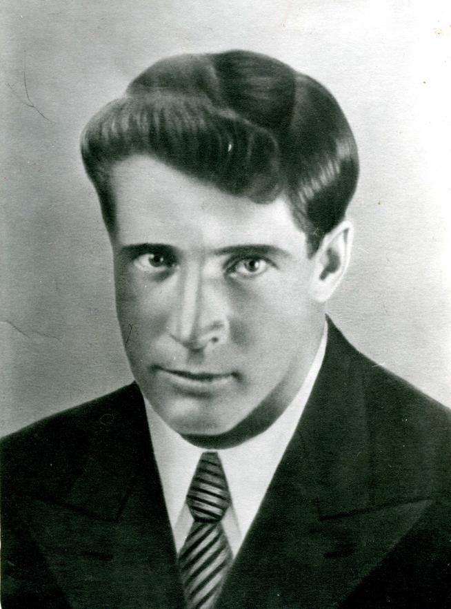 Фото №88492. Фото. Мельситов В.И.- участник Великой отечественной войны. Заведующий историческим отделом ЦМТР (1939-1942) 1930-е