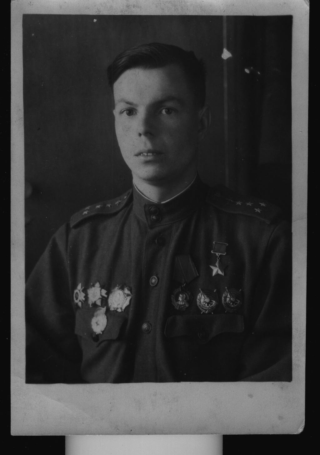 Фотография: Герой Советского Союза Столяров Н. Г. ©Tatfrontu.ru Photo Archive