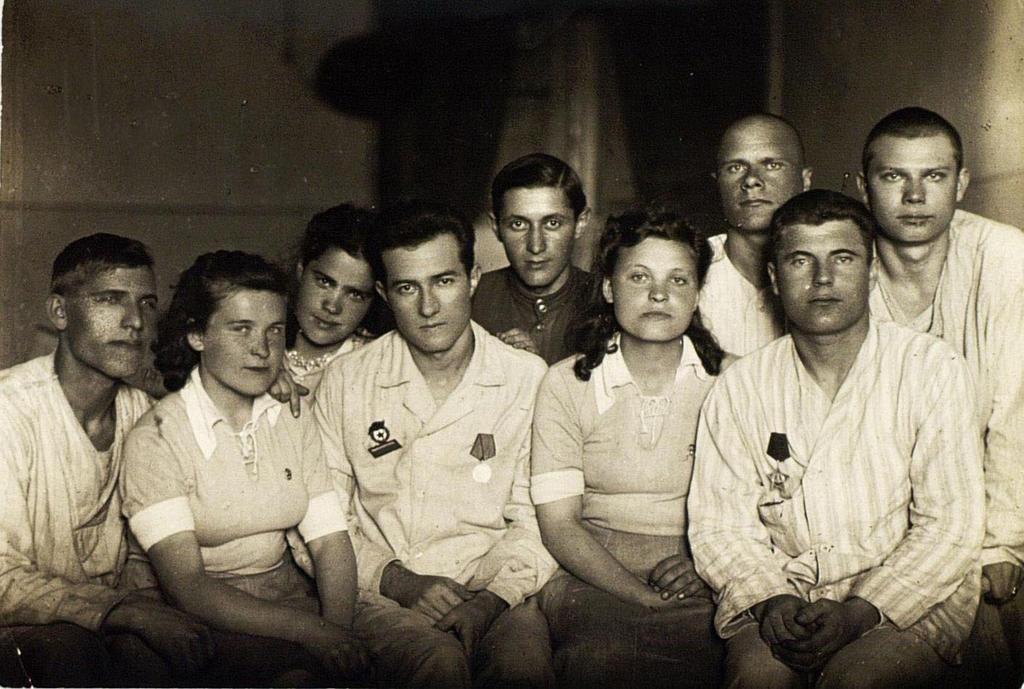 Фото №91776. Фото. Шефы с ранеными подшефного эвакогоспиталя №5870. 29 мая 1944 года