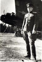 Герой Советского Союза М.В.Симонов у самолета. 1943