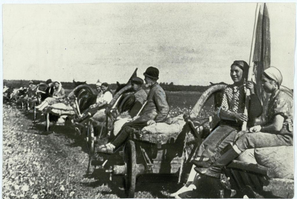 Фото №92953. Фото. «Красный обоз». 1944
