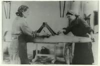Фото. В цехе завода № 387. 1943