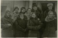 Фото. Татарские артисты на гастролях у фронтовиков 1-го Украинского фронта. 1943