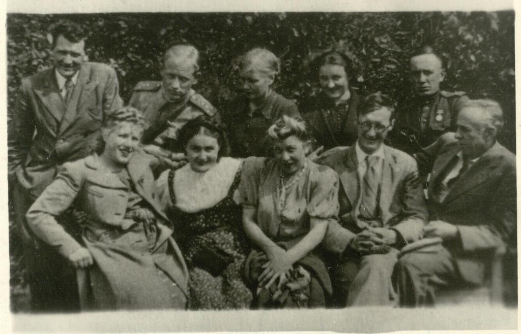 Фото №92994. Фото. Татарские артисты на Северо-Западном фронте.. 1943