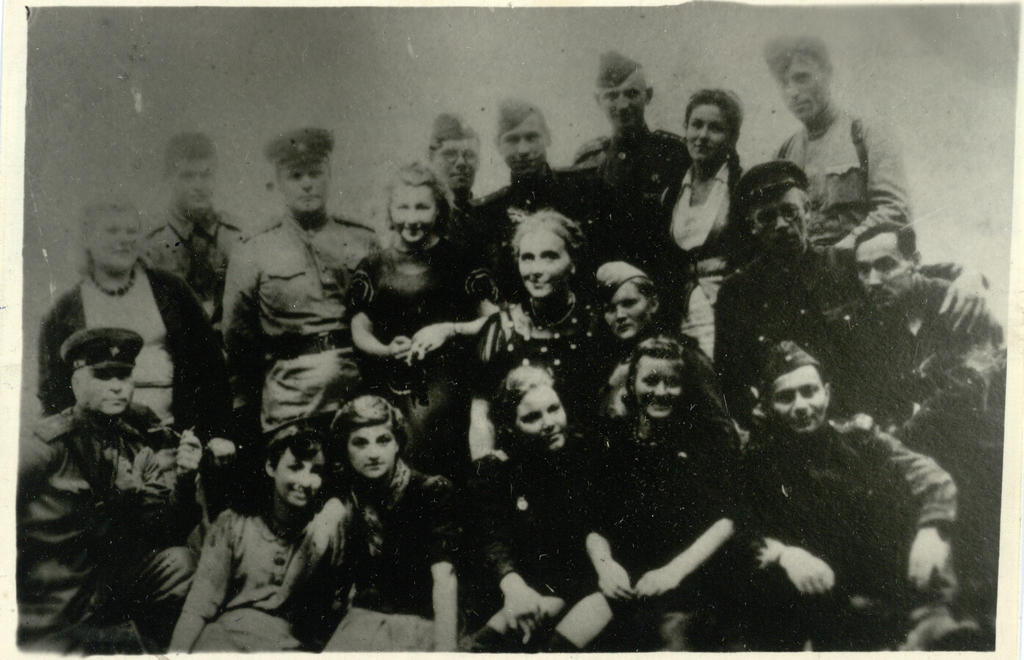 Фото №92999. Фото. Татарские артисты на Брянском фронте. Июль 1943